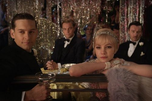 Great_Gatsby_Official_Tobey_Maguire_Carey_Mulligan-560x373