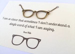 Original_geek-glasses-necklace-with-oscar-wilde-quote