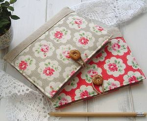 Original_kindle-cover-in-cath-kidston-fabric
