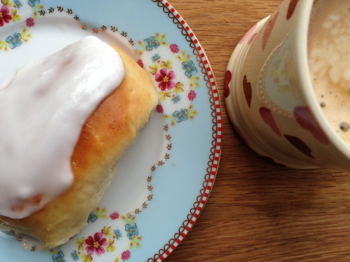 Iced Buns from Bookends by Jane Green